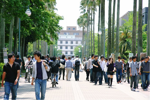 Looking for Host Families for Kagoshima University visiting students
